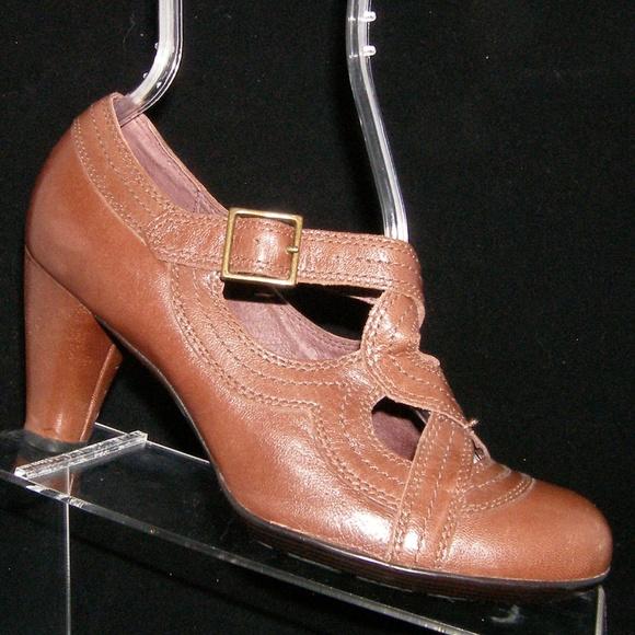 ef47c6ddf59 Clarks Shoes - Indigo by Clarks Sylvie II brown leather heel 7.5M